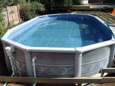 Esther Williams 30\' x 15\' Oval Aluminium pool Case Study