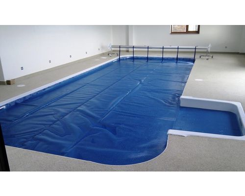Kafko pool completed with heat retention cover and reel system