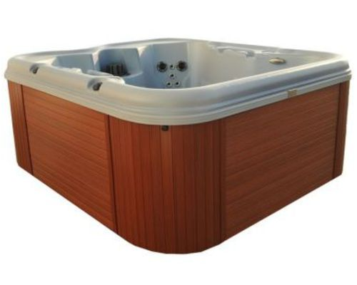 Cove Retreat Hot Tub