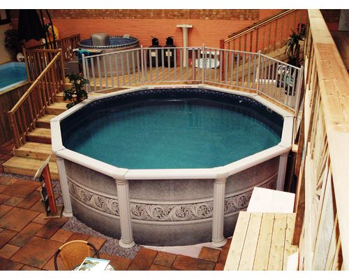 15ft Diameter 'Classic' Aluminium Pool with timber decking and Aluminium fence